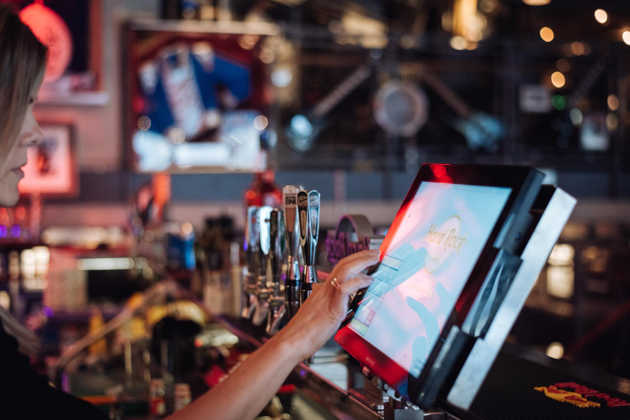 Caisse restaurant et de contrôle de bar